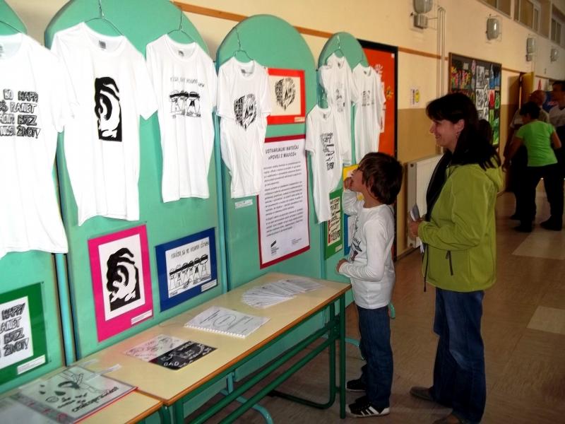 Javna šolska prireditev z razstavo ustvarjalnega natečaja na OŠ Kapela10