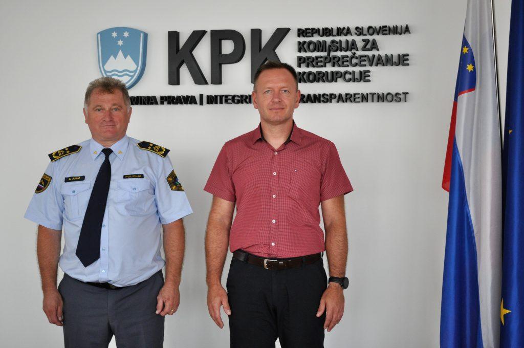V. d. generalnega direktorja Policije na obisku pri predsedniku Komisije za preprečevanje korupcije dr. Robertu Šumiju
